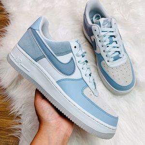 New Nike Air Force 1 07 PRM Sneakers